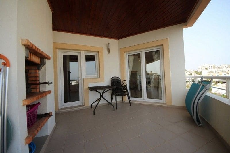 3 Bedrooms Apartment in Santa Maria