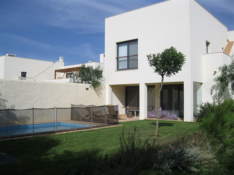 2 Bedrooms Villa in Martinhal