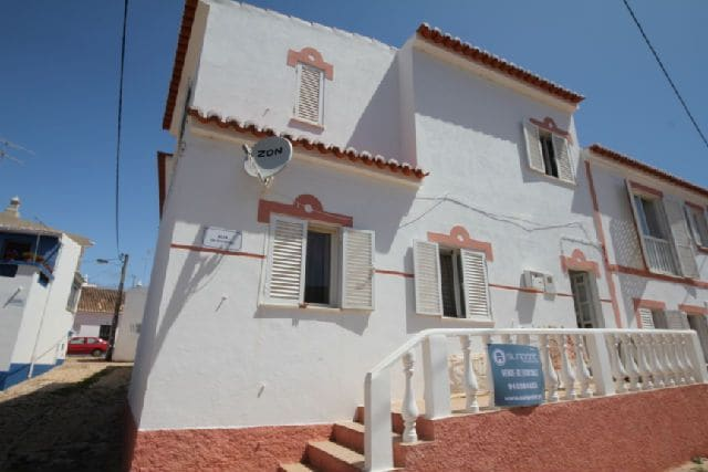 4 Bedrooms Villa in Figueira
