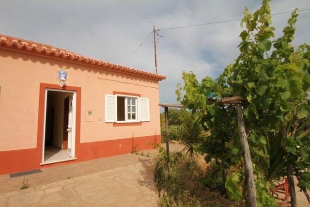 2 Bedrooms Farm in Barão de São Miguel