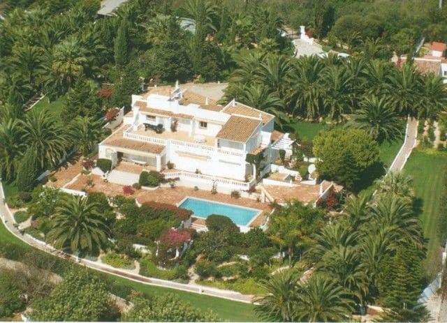 4 Bedrooms Villa in Santa Maria