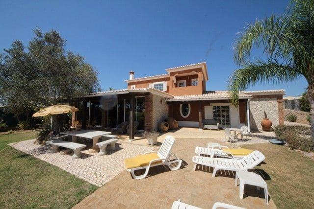 5 Bedrooms Villa in Santa Maria