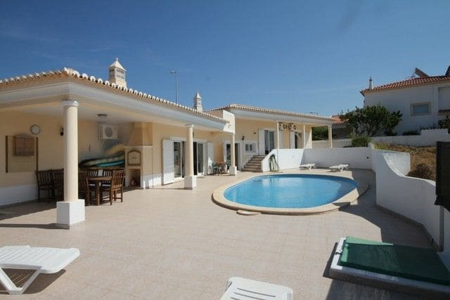 4 Bedrooms Villa in Santa Maria
