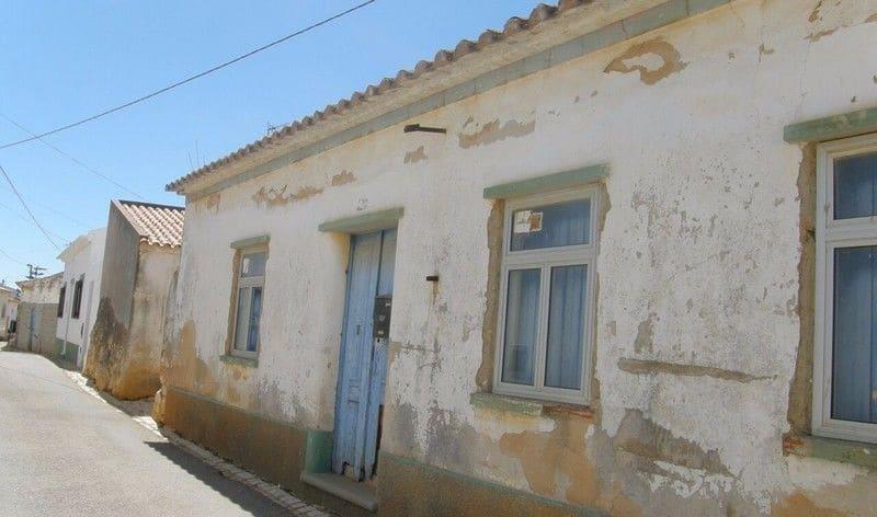 2 Bedrooms Villa in Almadena