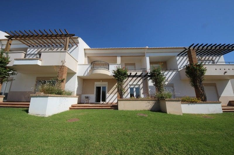 2 Bedrooms Villa in Arão