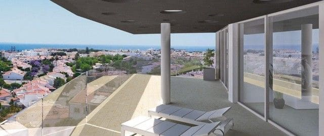 5 Bedrooms Apartment in Ameijeira, Lagos