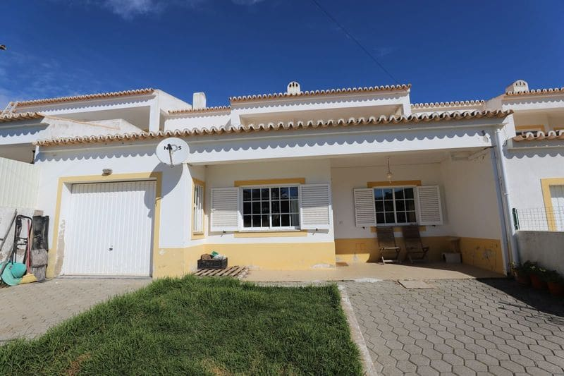 3 Bedrooms Villa in Sargaçal