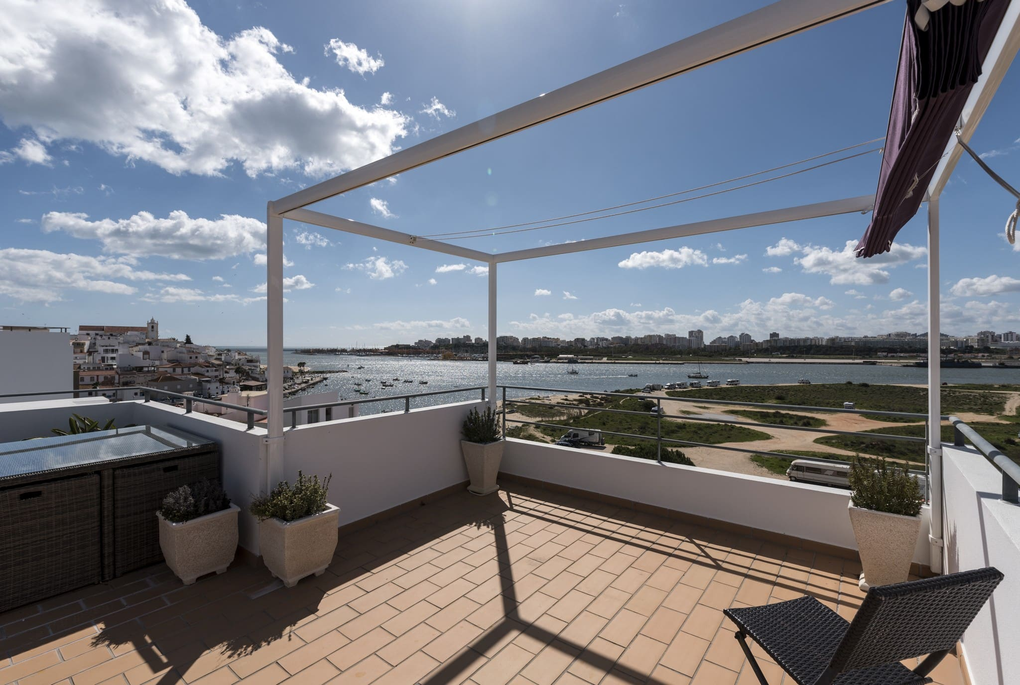 Superb 2 / 3 Bedroom linked Villa with stunning views.
