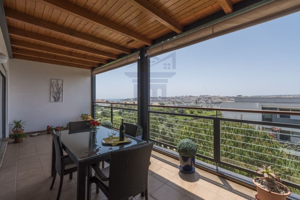 Beautiful 2 Bedroom Marina Park Apartment