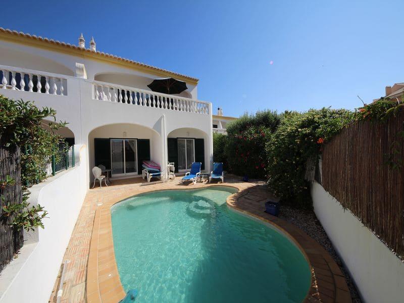 3 Bedrooms Villa in Luz