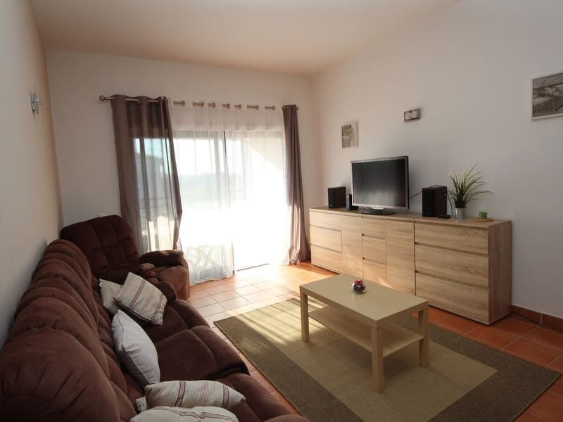 2 Bedrooms Apartment in Meia Praia