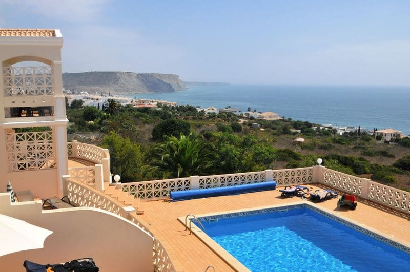 2 Bedrooms Apartment in Luz
