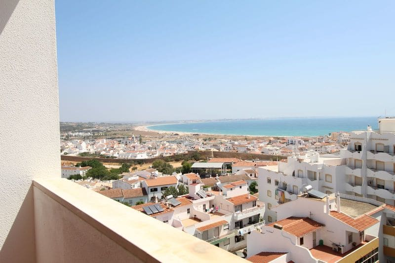 3 Bedrooms Apartment in Ameijeira