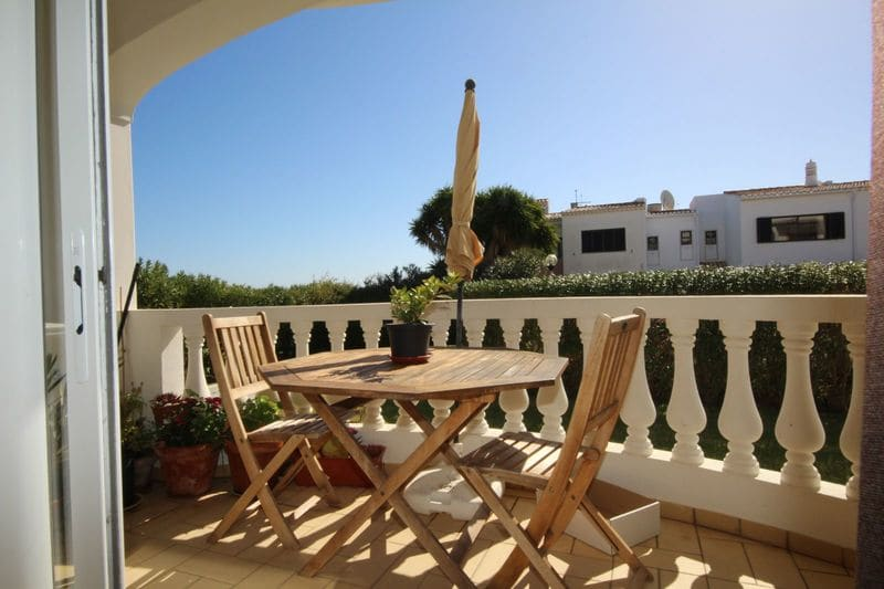1 Bedroom Apartment in Montinhos da Luz