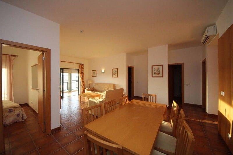 3 Bedrooms Apartment in Santa Maria
