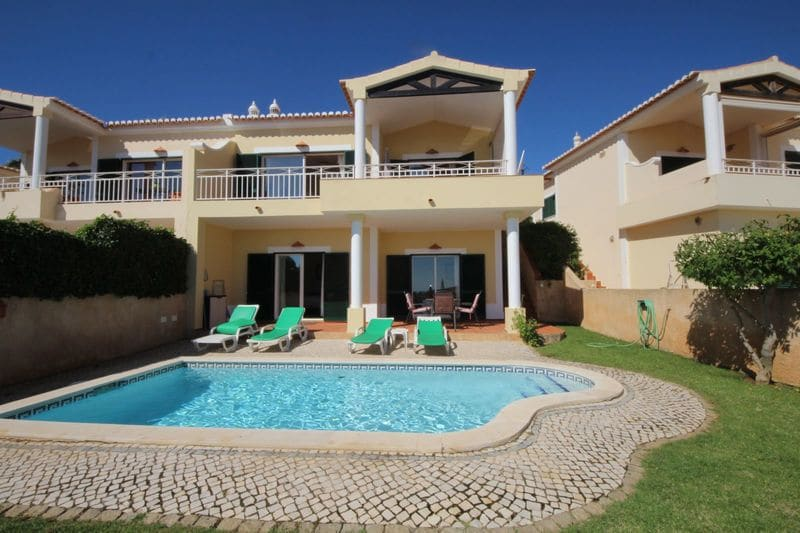 2 Bedrooms Villa in Monte Lemos