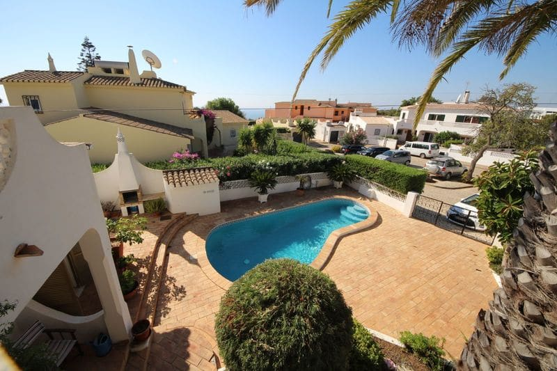 4 Bedrooms Villa in Montinhos da Luz
