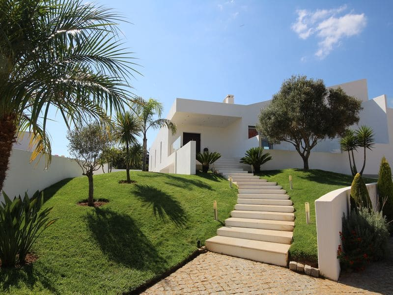 3 Bedrooms Villa in Almadena