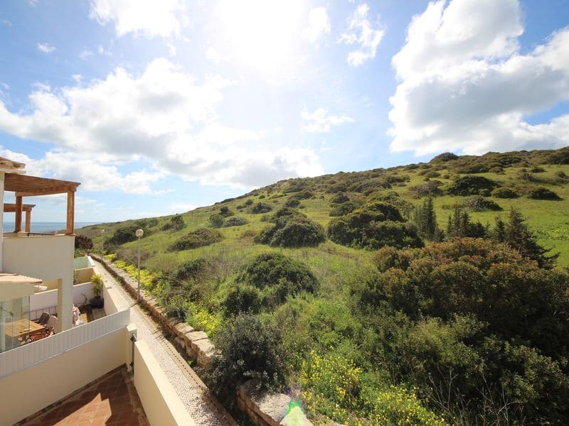 2 Bedrooms Villa in Burgau