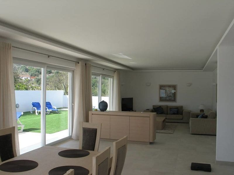 4 Bedrooms Villa in Portelas