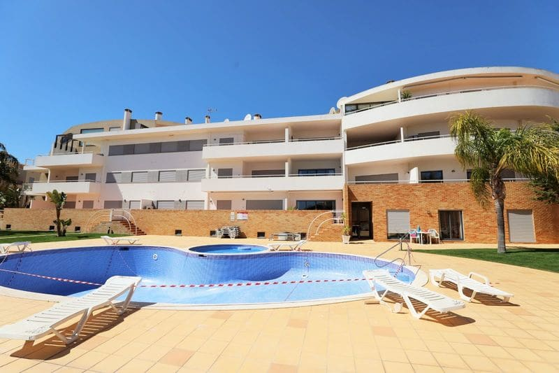 4 Bedrooms Apartment in D. Ana