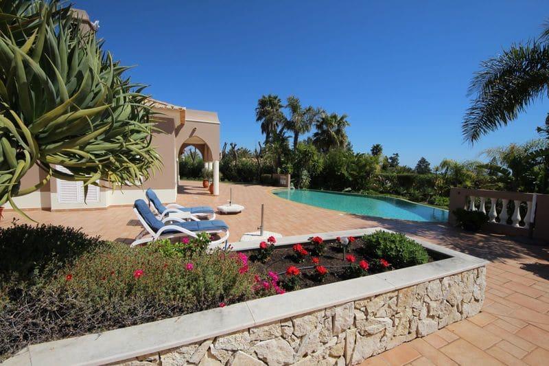 4 Bedrooms Villa in Herdade do Funchal