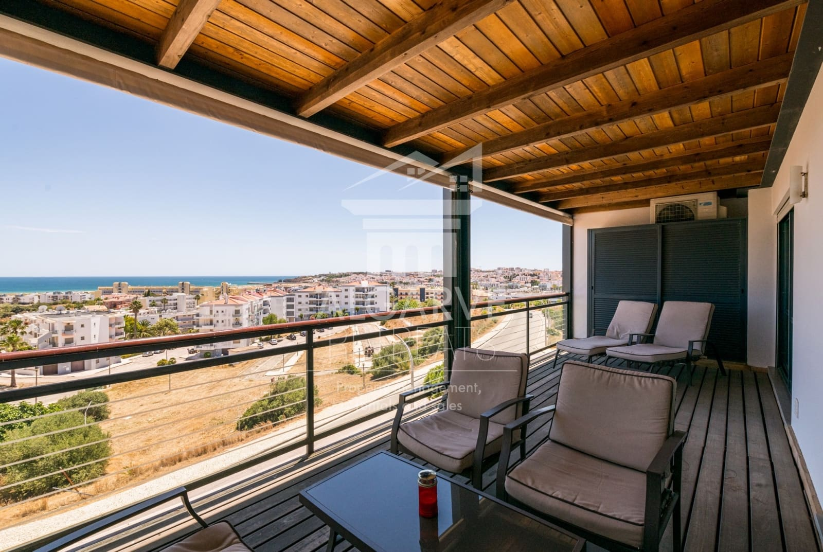 2 Bedroom Apartment with Panoramic Views