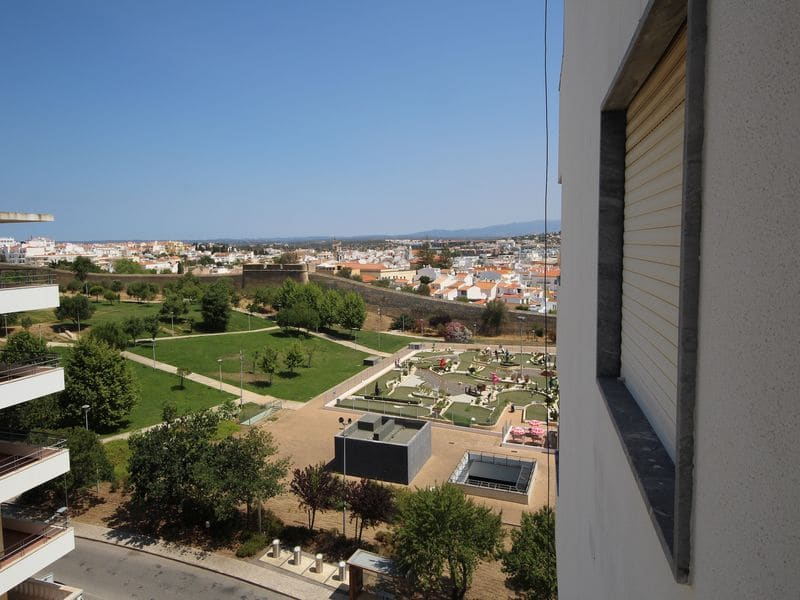 1 Bedroom Apartment in Santa Maria