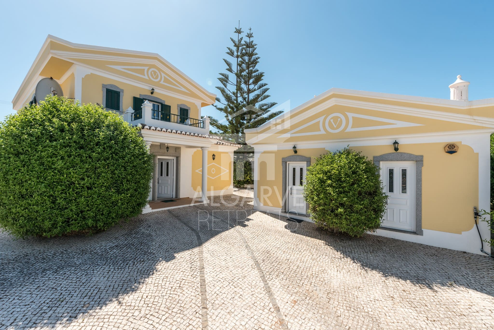 3 Bedrooms Villa with panoramic views.